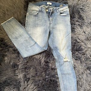 📦4 for $15📦 Distressed Jeans